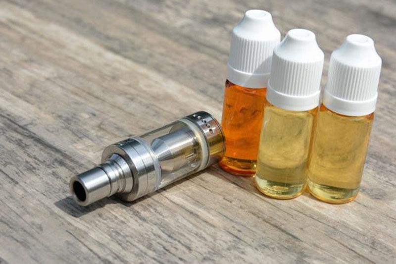"""研究表明,水果味电子烟""""更容易上瘾"""""""
