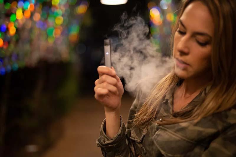 美国高中生2019烟草应用报告:近11%常应用电子烟,6%吸烟